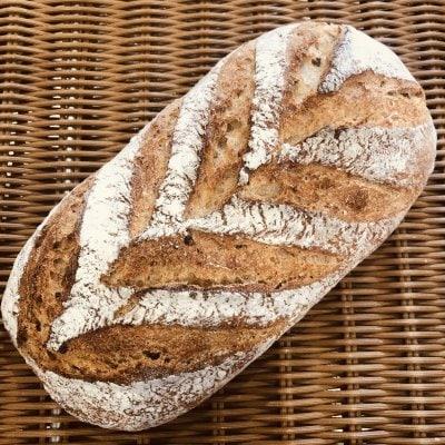 【当店人気ナンバー1】信州地粉の天然酵母パン 炊き込み玄米入りレジ...