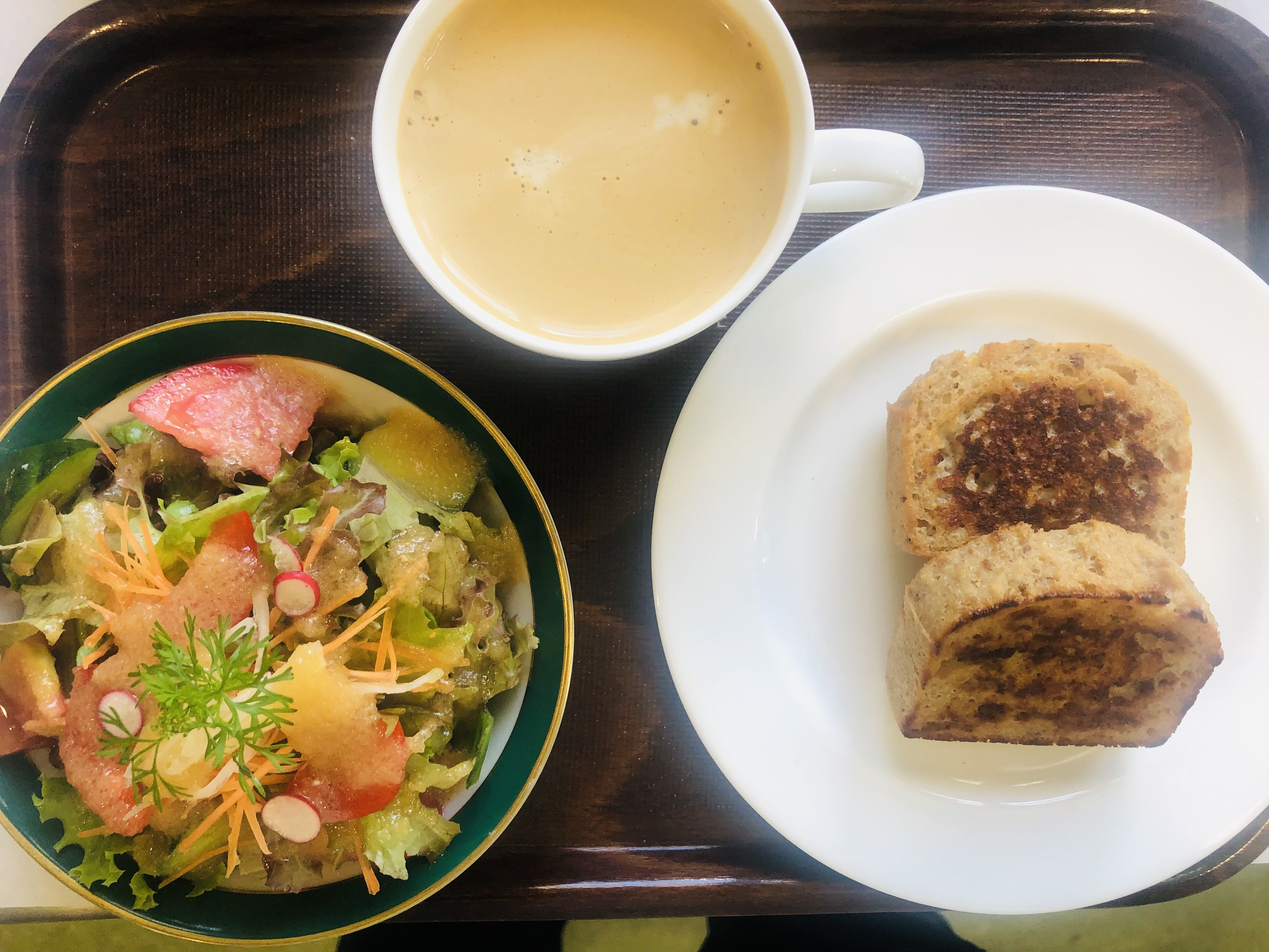 フレンチトーストセット、サラダ、飲み物付き(オーガニックコーヒー、紅茶、ミネラル甘酒の中からおえらびください)のイメージその1