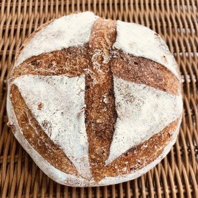 カンパーニュ レギューム(季節の野菜を練り込んだ田舎パン)