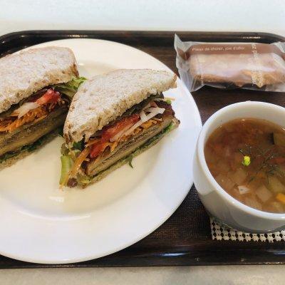 ベジカツサンドイッチセット スープ、原村ビスキュイのセット
