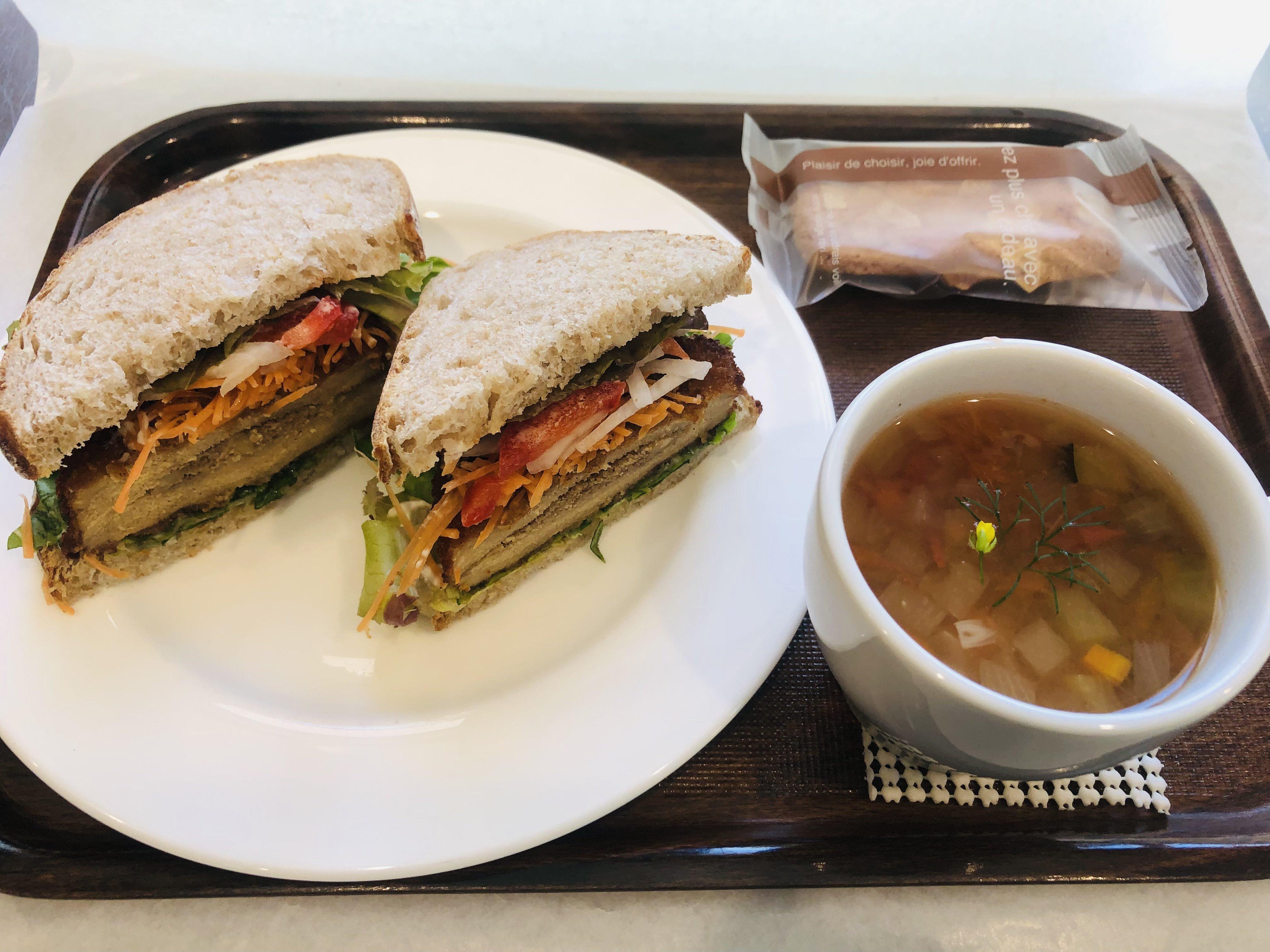 ベジカツサンドイッチセット スープ、原村ビスキュイのセットのイメージその1