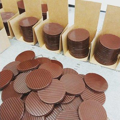 (5種類)自家焙煎カカオ豆を使用したビターチョコとミルクチョコの詰合せ