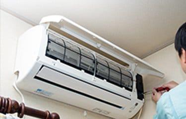 ルームエアコン壁掛けクリーニング(お掃除機能付きタイプ)