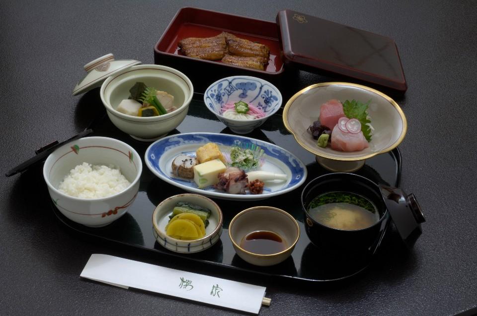 和定食(うなぎ蒲焼付)
