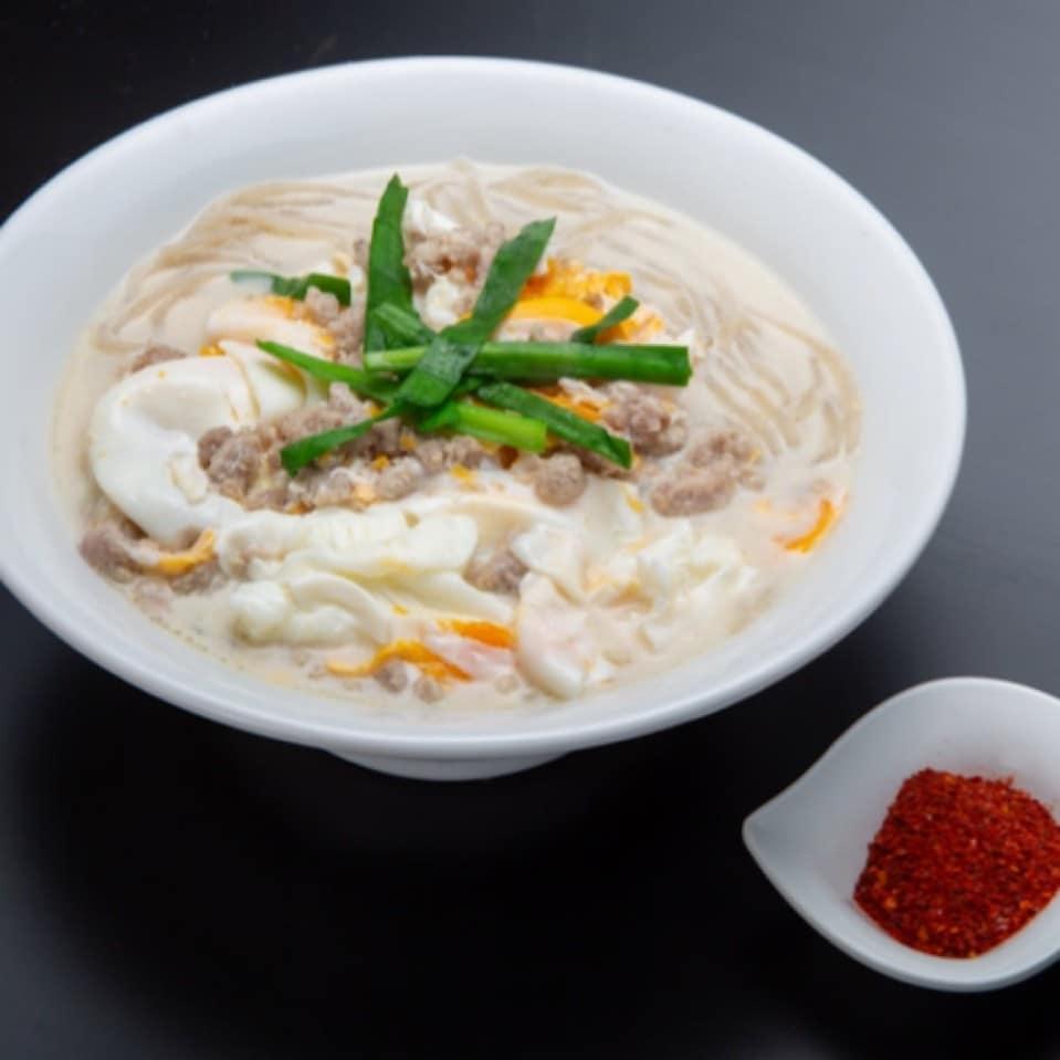【白」博多辛麺狛虎:豆乳辛麺