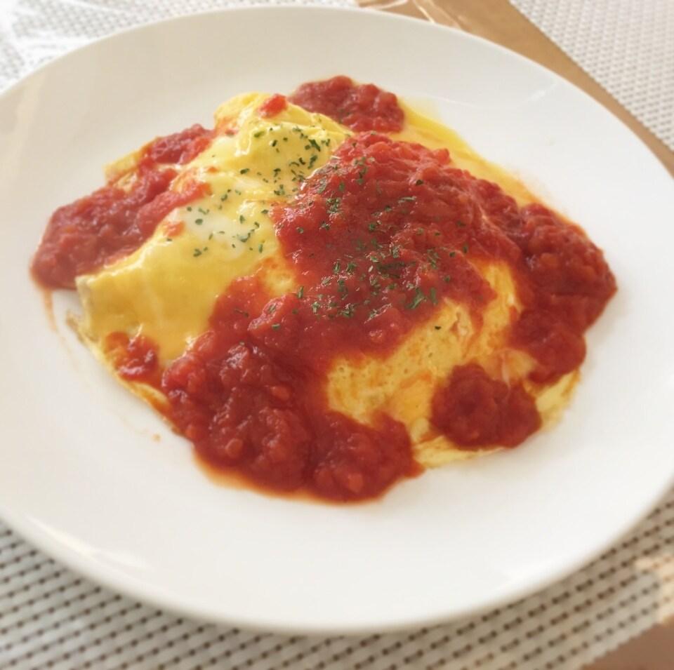 ふわふわ卵のチーズ入りオムライス (トマトソース or デミソース)