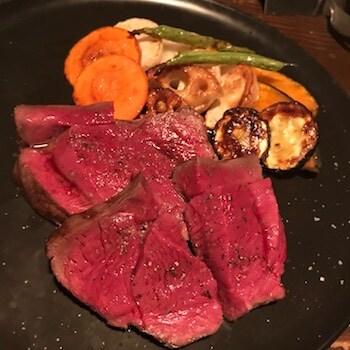 蝦夷鹿もも肉のステーキ真空焼き200g
