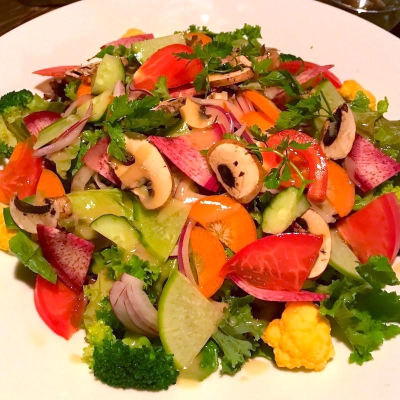 たっぷり季節野菜のサラダ