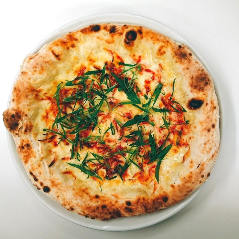 桜海老とネギのピザ