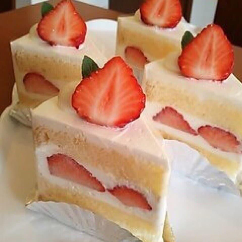 ケーキ/ショーケースからお選び下さい (常時7〜8種)160円〜