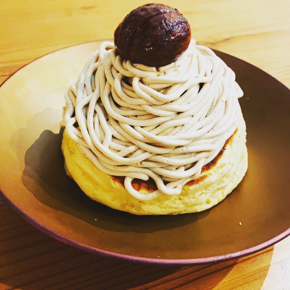 モンブランカシスパンケーキ