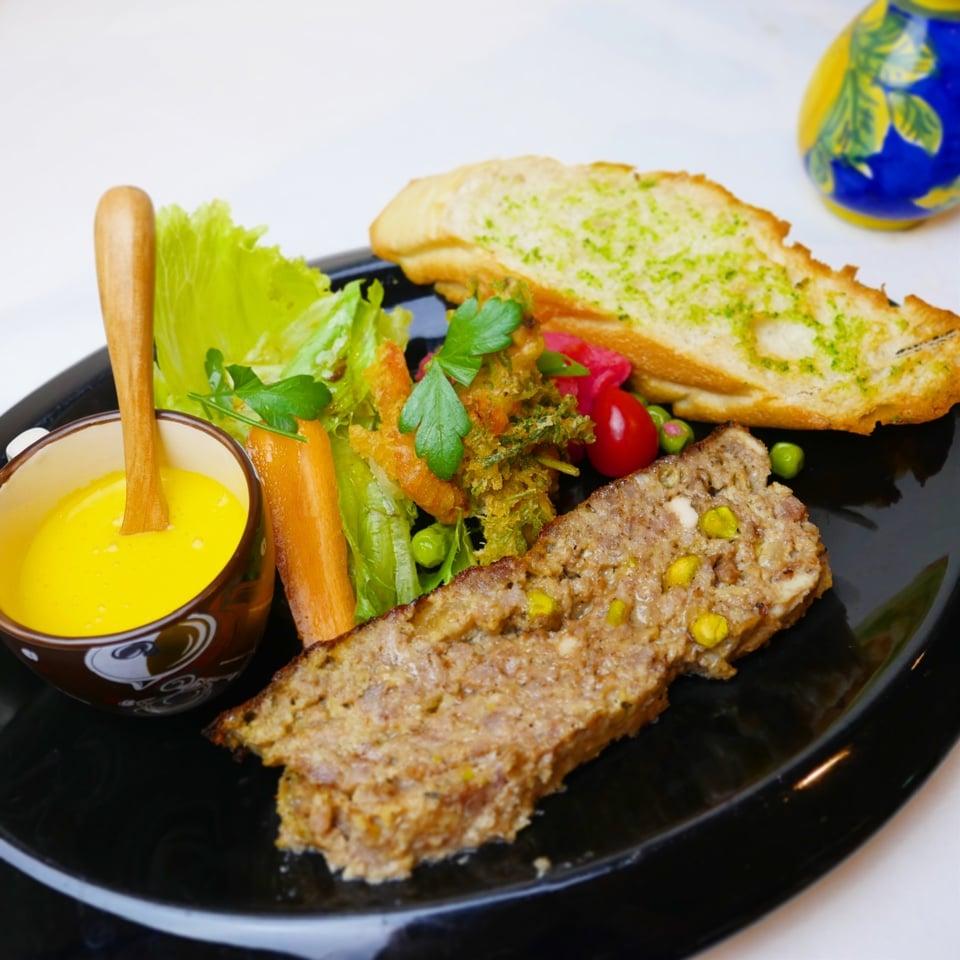 ゴロゴロお肉のイタリア風パテ「ポルペットーネ」のワンプレートランチ