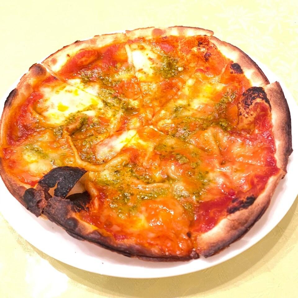 花畑牧場モッツァレラのピザ
