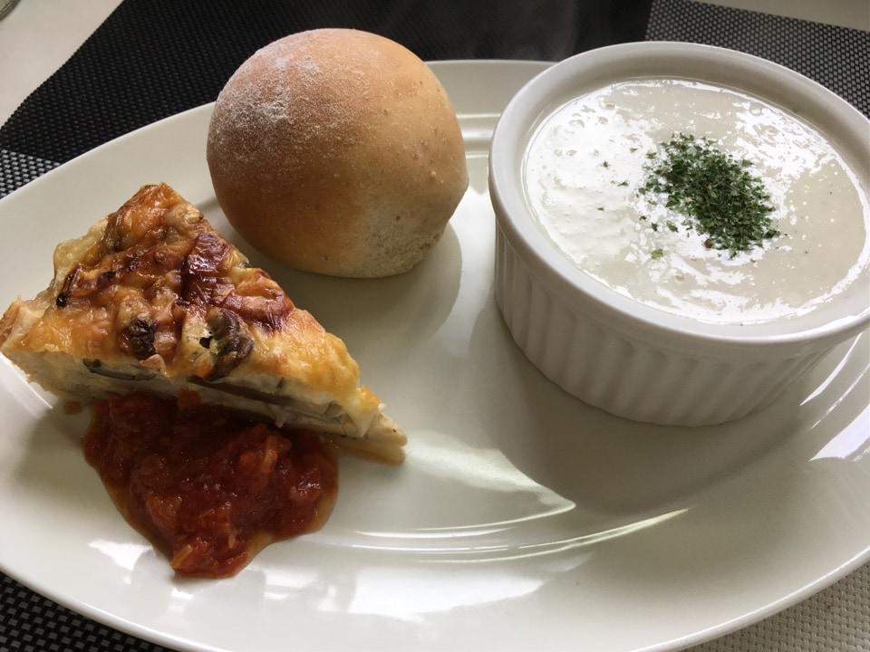 スープランチ(前菜、ドリンク付き)