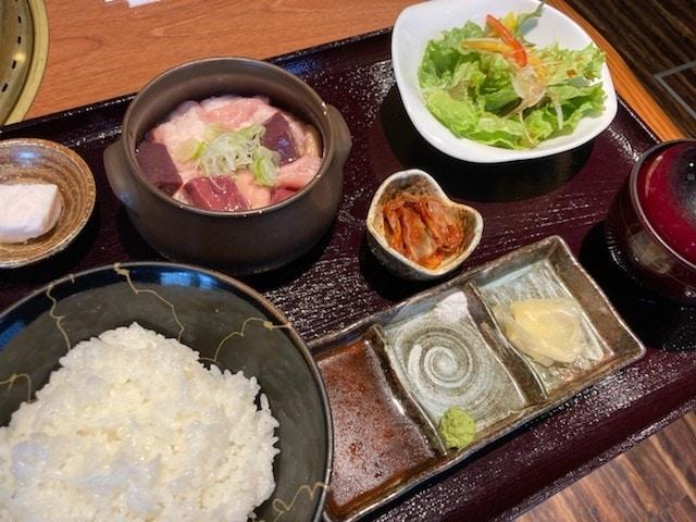 漢方牛ホルモンお食事セット