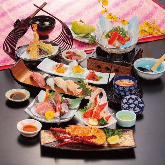 【和風会席 彩(いろどり)】■蟹紙鍋、伊勢海老せんざん焼など全10品の満足コース