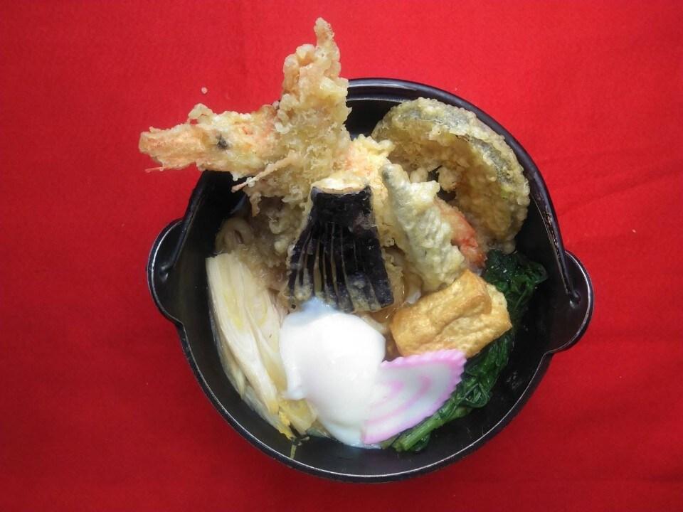 天ぷら鍋焼きうどんデラックス