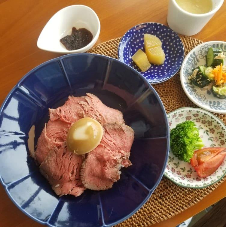 淡路牛のローストビーフ丼