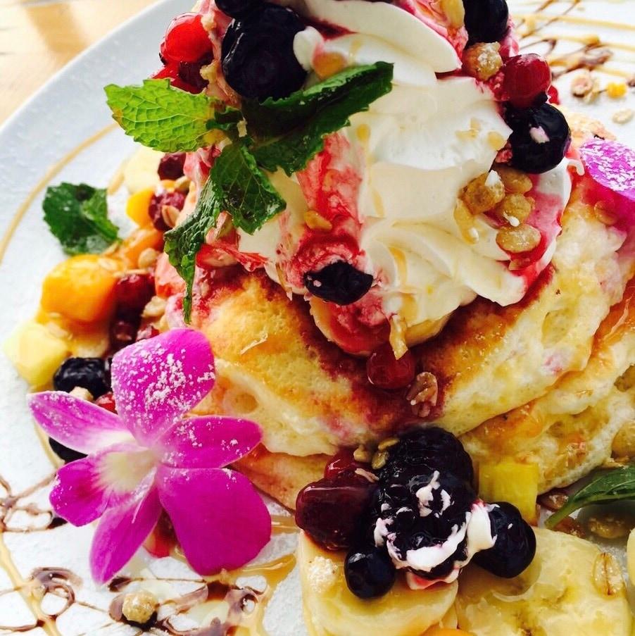 沖縄カフェ|沖縄の青い海|パンケーキ|Hawaiian Cafe Dining KOA