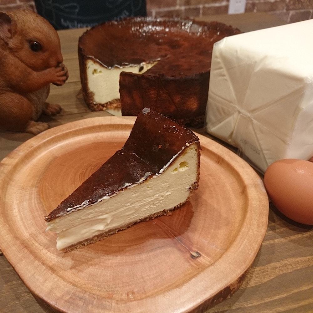 座間市相武台のおいしいコーヒーと米粉のお菓子カフェとスイーツ L'Ours ルウルス チーズケーキ