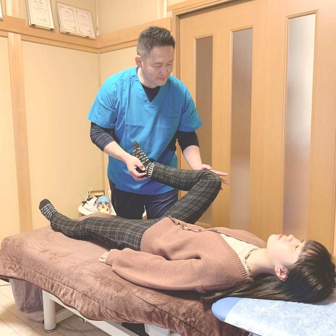 姫路の整体なら【八幡ヒーリング整体】自律神経・慢性肩こり・慢性腰痛・頭痛・片頭痛・首痛・生理痛・四十肩・五十肩・膝痛・股関節痛・姿勢・猫背・骨盤矯正・不眠・めまい・冷えなどで、お悩みの方は当院まで!!